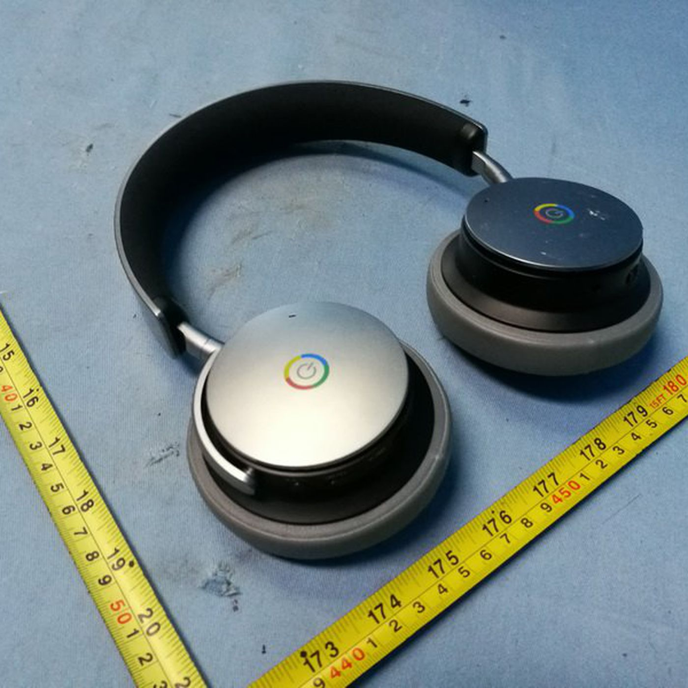 Is Google Making A Pair Of Over Ear Bluetooth Headphones The Verge