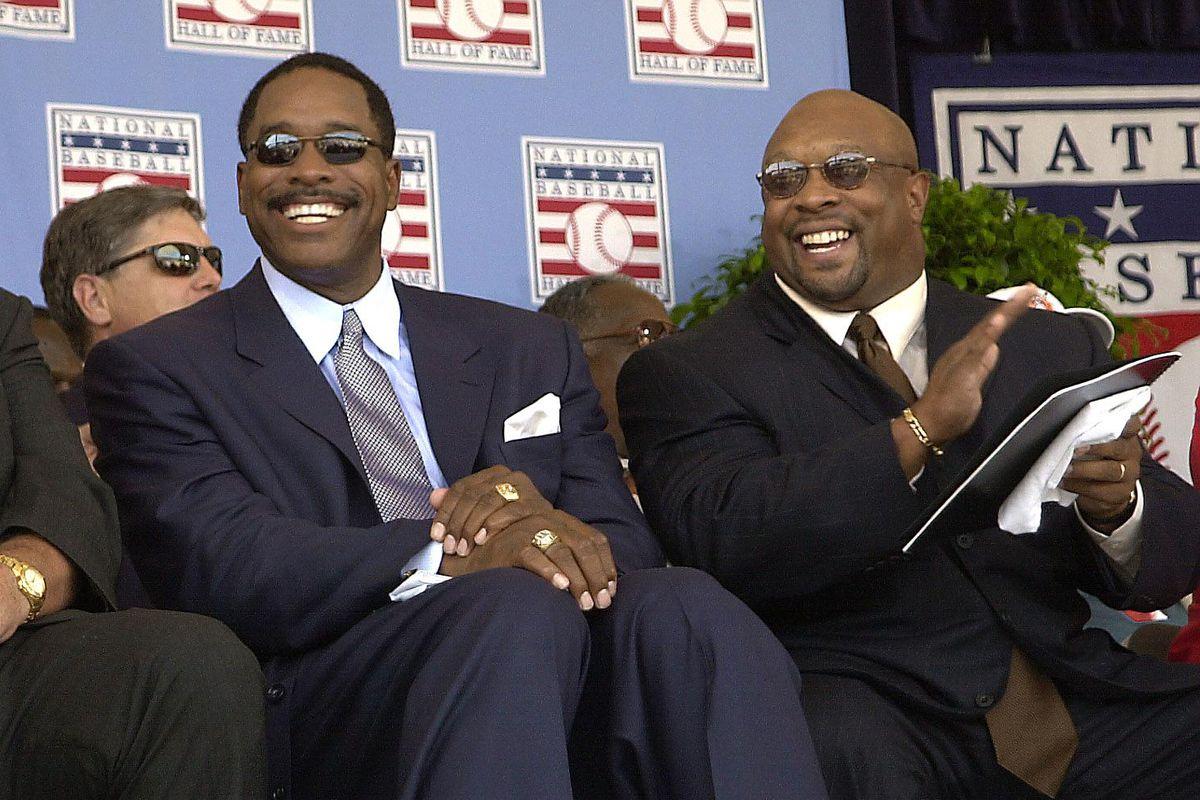 Baseball Hall of Fame inductees Kirby Puckett (R),