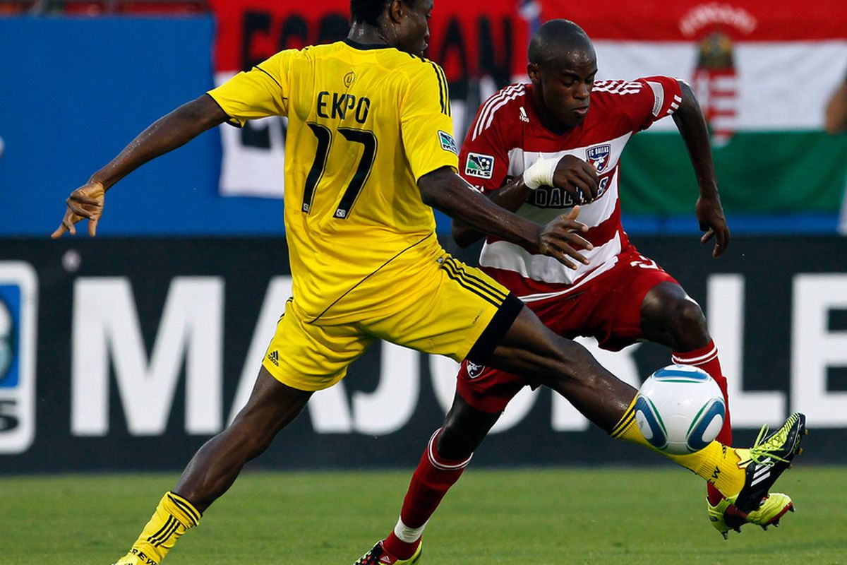 FRISCO, TX - JULY 02:  Jackson Goncalves #6 of the FC Dallas moves the ball against Emmanuel Ekpo #17 of the Columbus Crew at Pizza Hut Park on July 2, 2011 in Frisco, Texas.  (Photo by Tom Pennington/Getty Images)