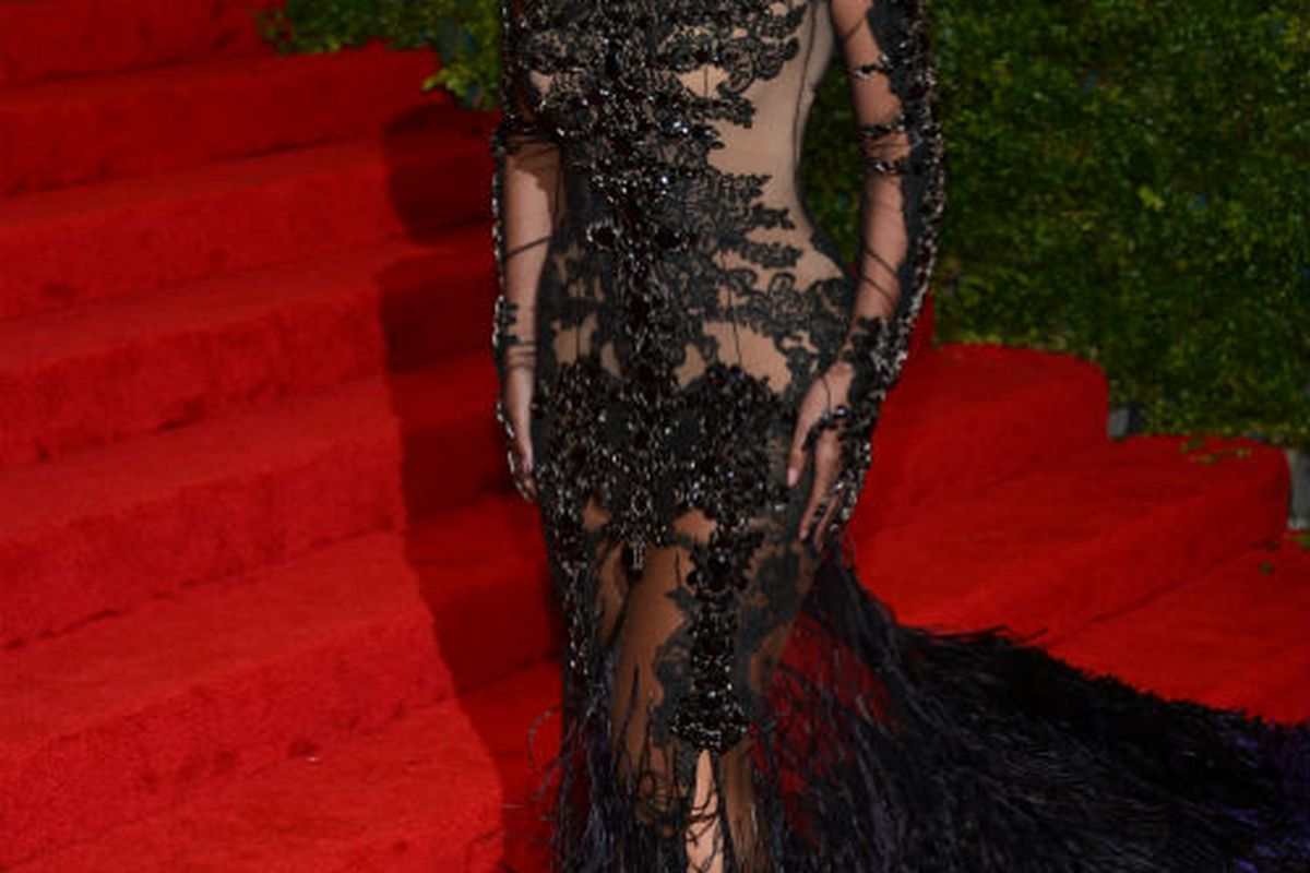 Beyonce arriving fashionably late to the 2012 Met Gala, via Getty