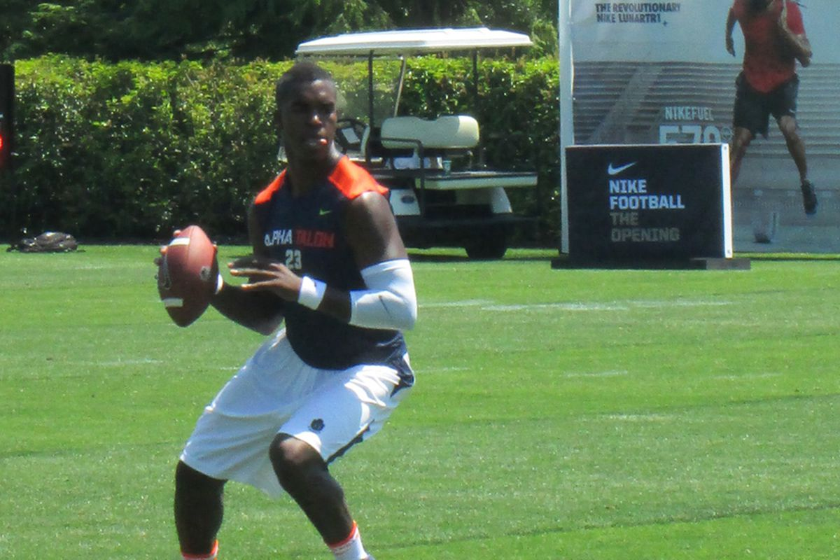 This image of Tyrone Swoopes at The Opening illustrates some of his mechanical issues (Photo by the author).