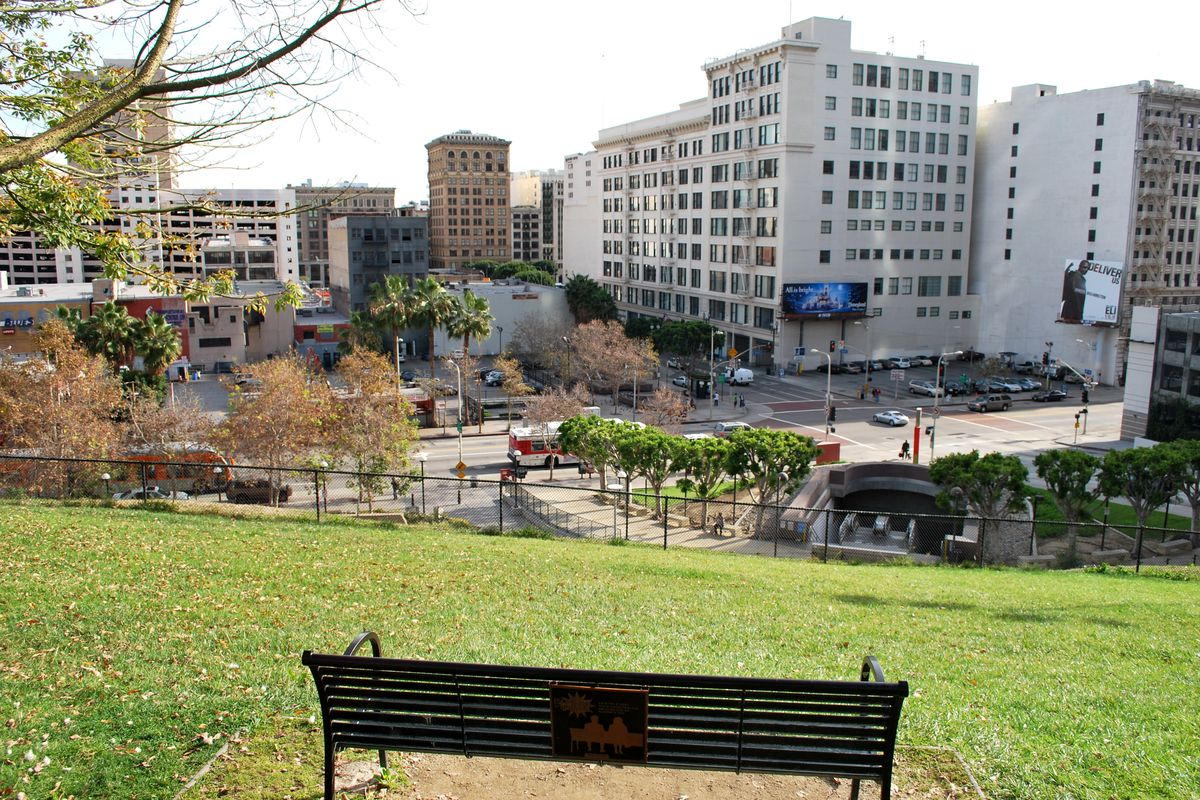 A 2010 shot of Angel's Knoll looking out from the site onto Fourth and Hill streets.