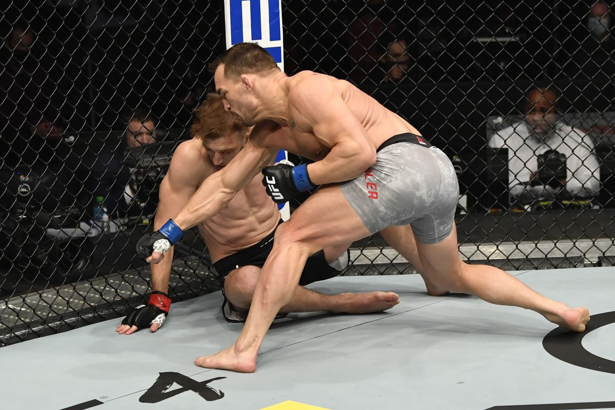UFC 257 results: Michael Chandler demolishes Dan Hooker in first round,  declares himself the new lightweight king - MMA Fighting