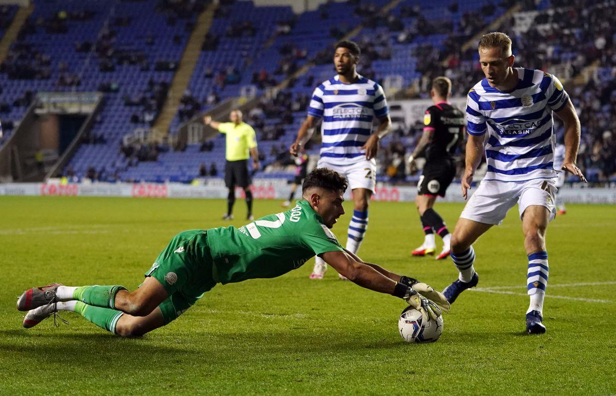 Reading v Peterborough United - Sky Bet Championship - Select Car Leasing Stadium