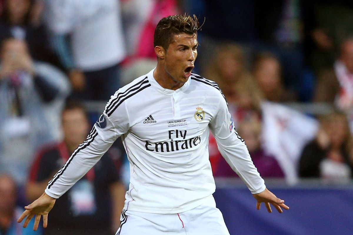 Real Madrid Vs Sevilla 2014 Uefa Super Cup Final Score 2 0 Ronaldo S Brace Leads Los Blancos Over Sevilla Sbnation Com