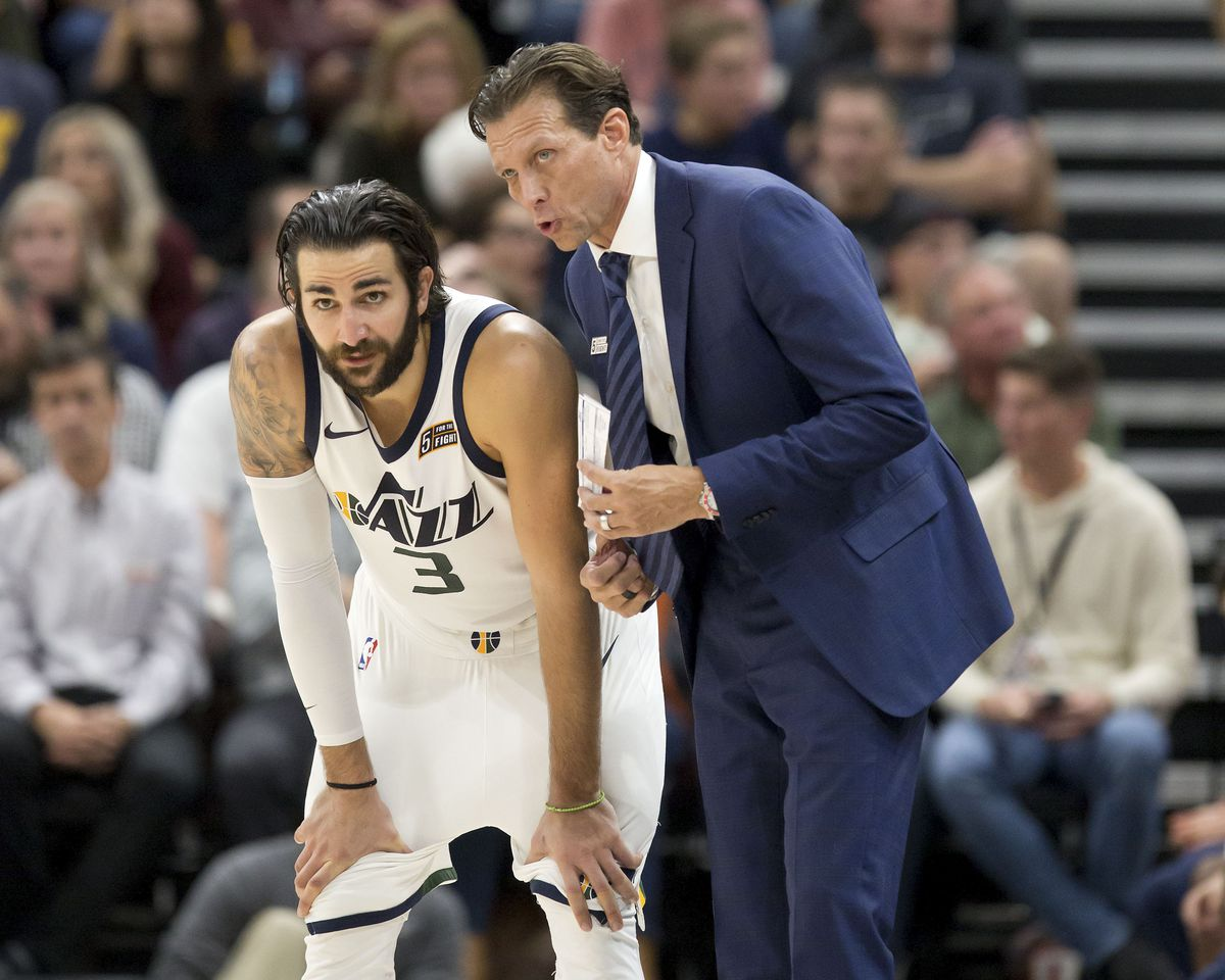 Quin Snyder talks with Ricky Rubio