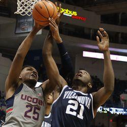 Villanova Wildcats vs UConn Huskies