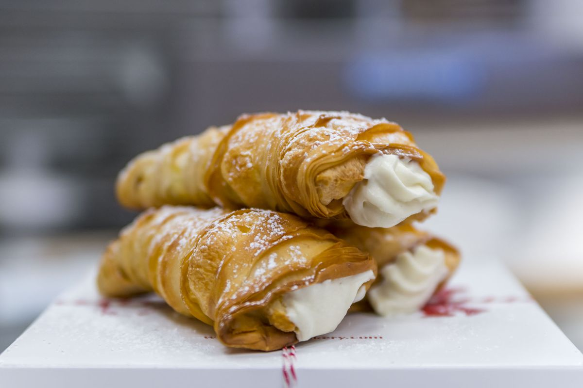 The Story Behind Lobster Tails at Buddy Valastro's Carlo's Bakery - Eater Vegas