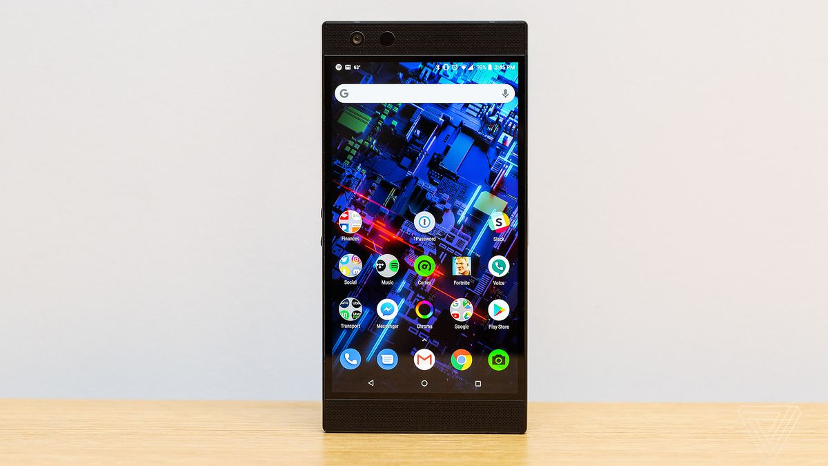 2 Or 3 Things I Know: Razer Phone 2 Review: It Glows, But It Doesn't Shine