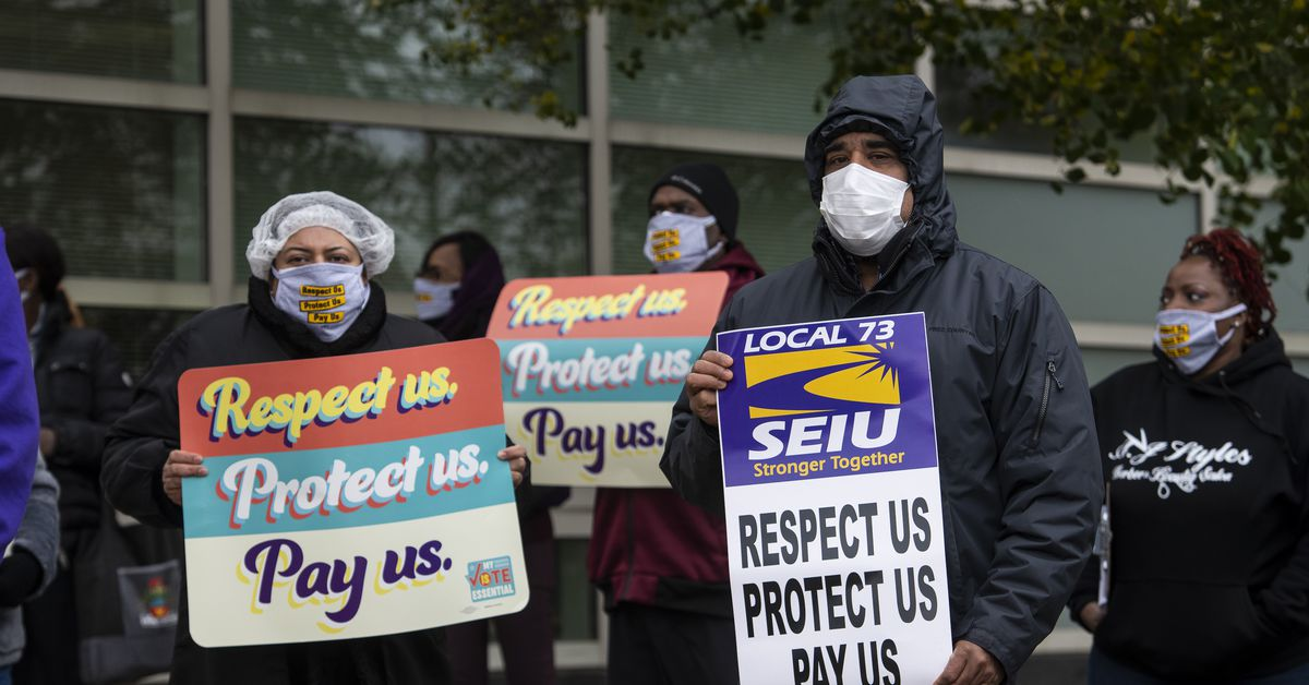 County workers push for 'pandemic pay' as coronavirus cases soar - Chicago Sun-Times