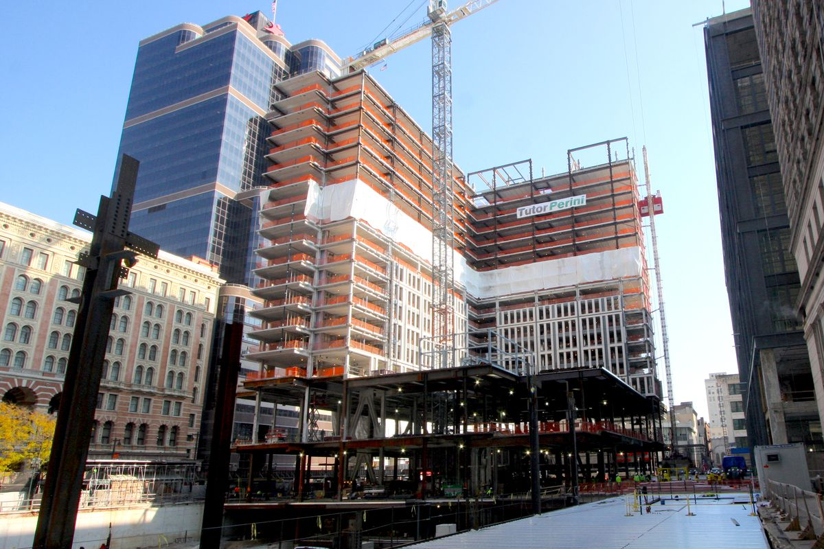The built-out frame of an L-shaped building at a construction site in Philadelphia.