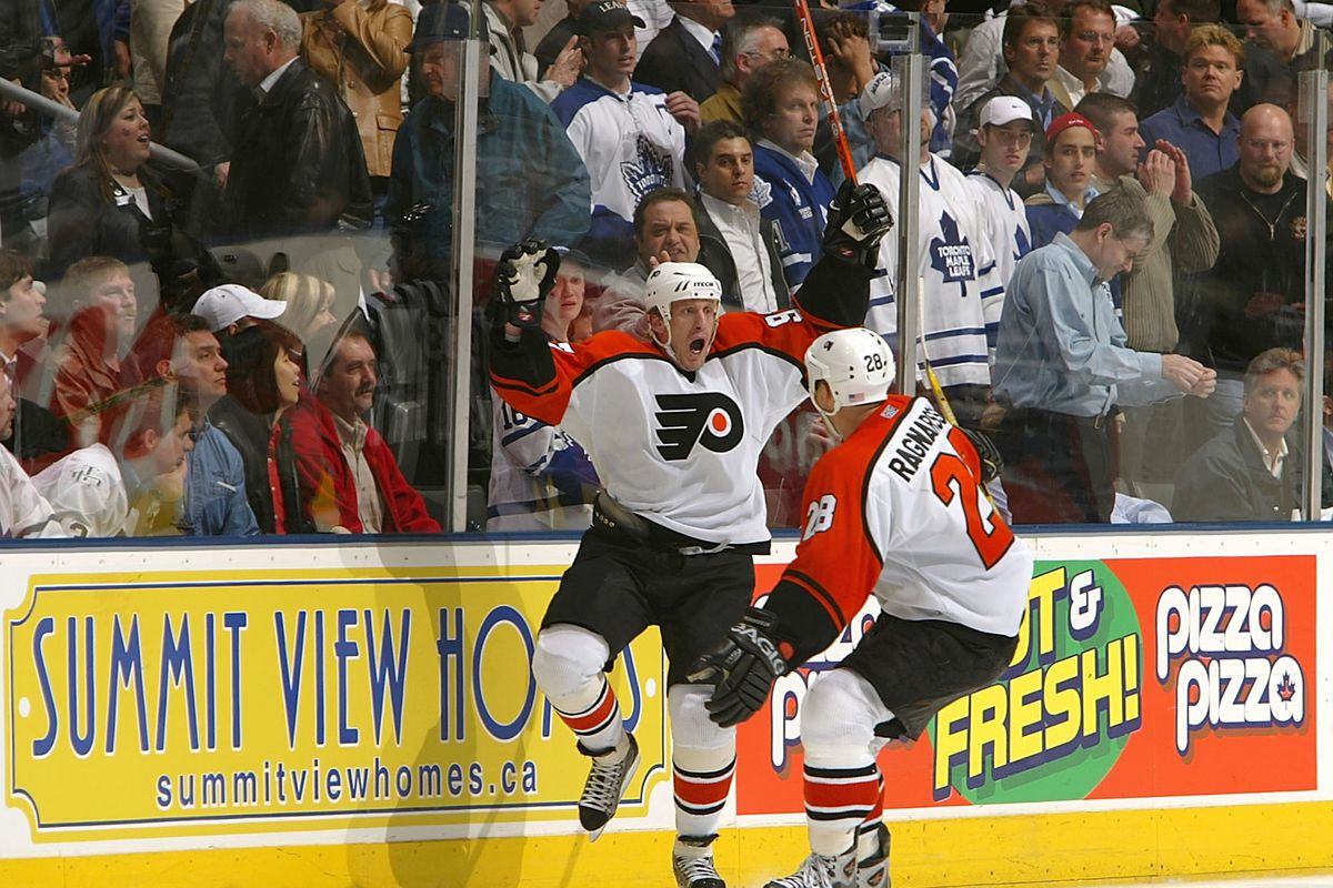 Flyers v Maple Leafs