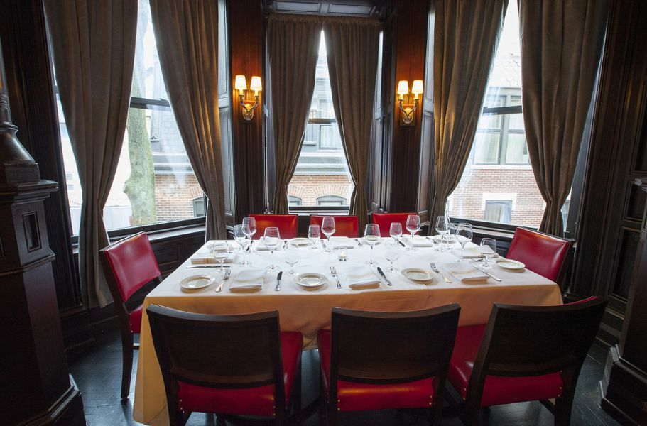 Gaze upon la storia the renovated beauty with a century 39 s for Table 52 menu chicago