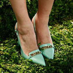 Chain detail on a minty pair.