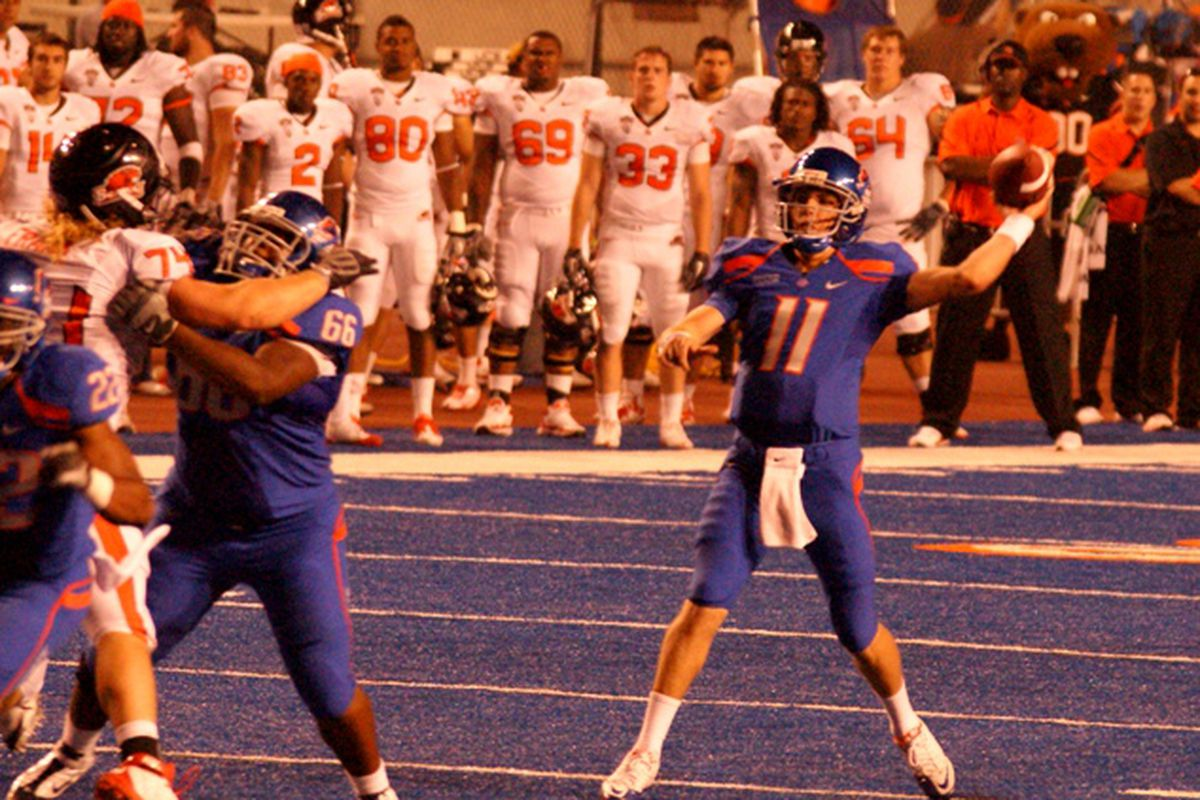 Kellen Moore threw for 288 yards and 3 touchdowns to lead Boise St. past Oregon St. 37-24. (Photo by Andy Wooldridge)