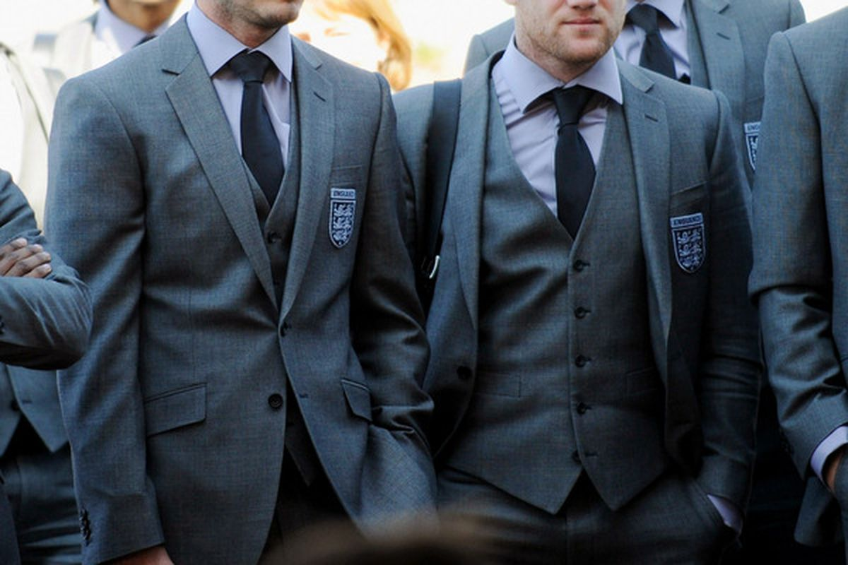 RUSTENBURG, SOUTH AFRICA - JUNE 03: (L-R) David Beckham and Wayne Rooney of England arrive at the Royal Bafokeng Sports Campus on June 3, 2010 in Rustenburg, South Africa.  (Photo by Michael Regan - Pool/The FA via Getty Images)