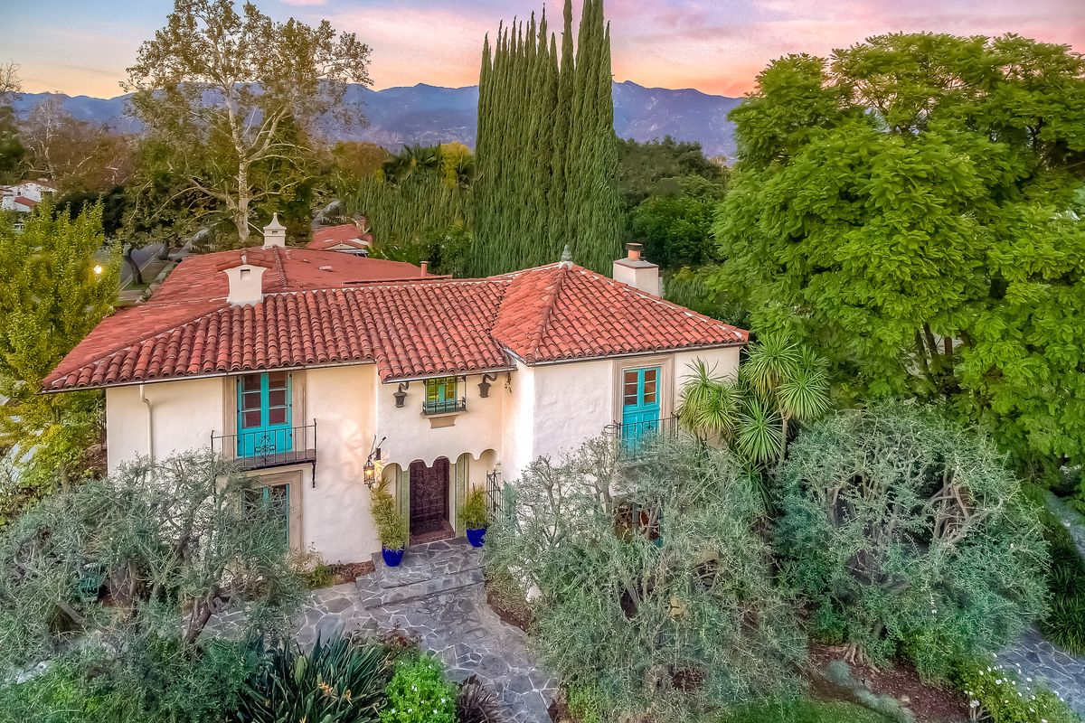 1920s spanish moorish style house is loaded with lavish for Moorish homes