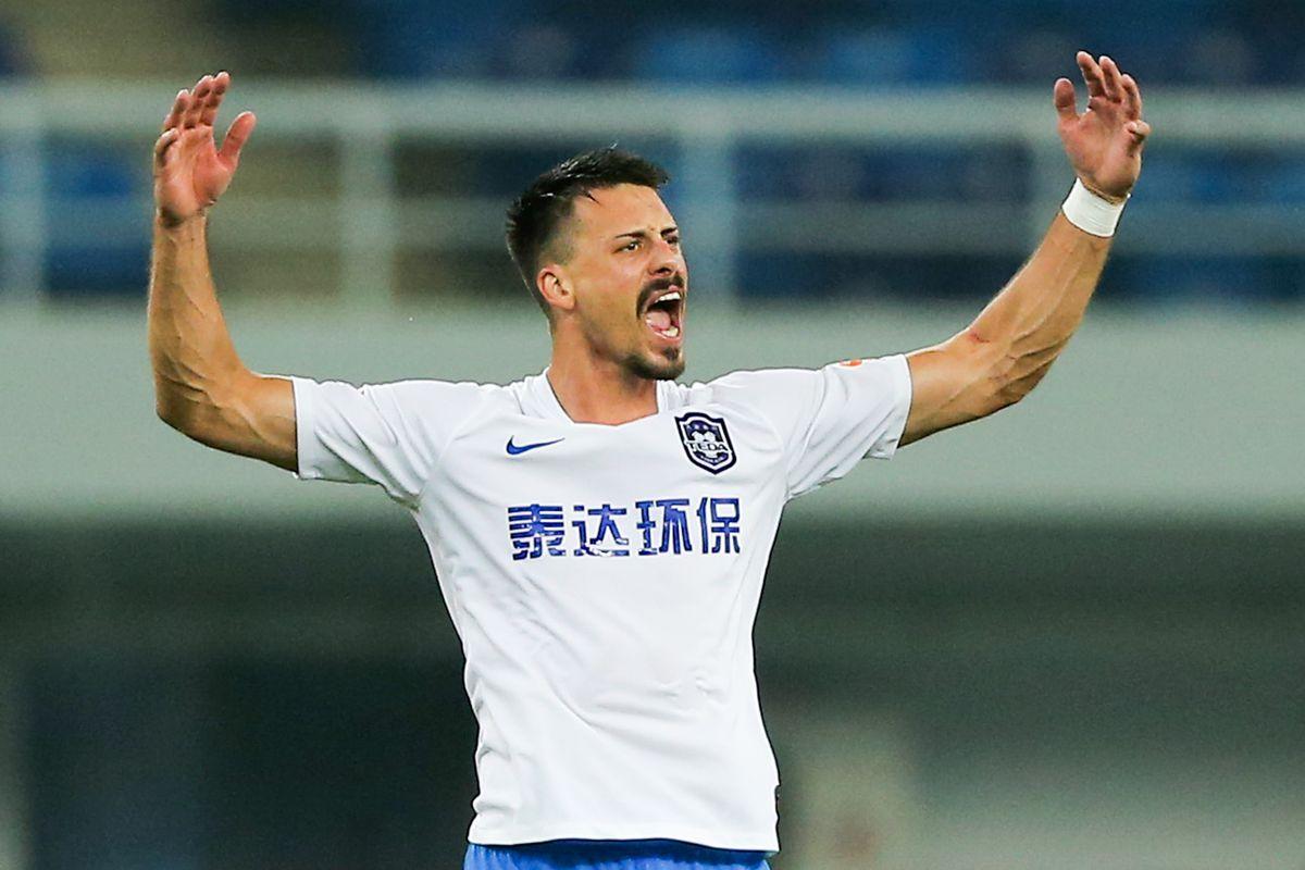 Tianjin Teda v Dalian Yifang - Chinese Super League