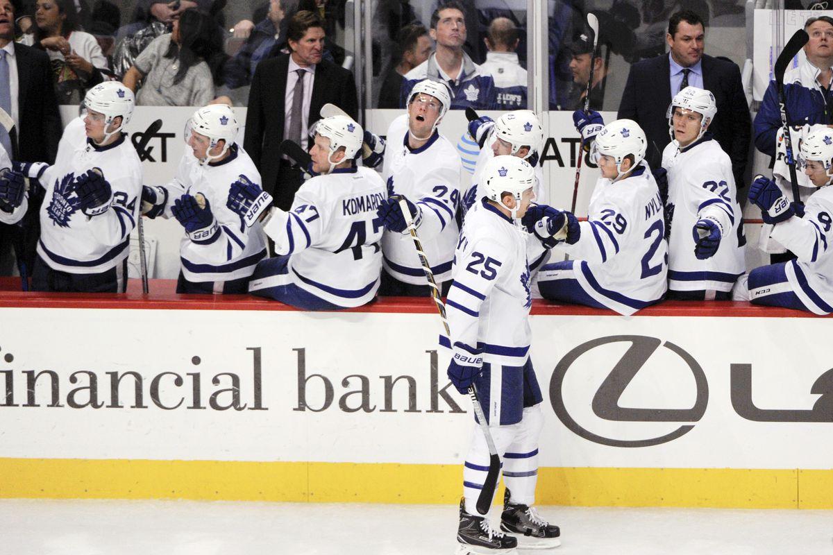 NHL: Toronto Maple Leafs at Chicago Blackhawks