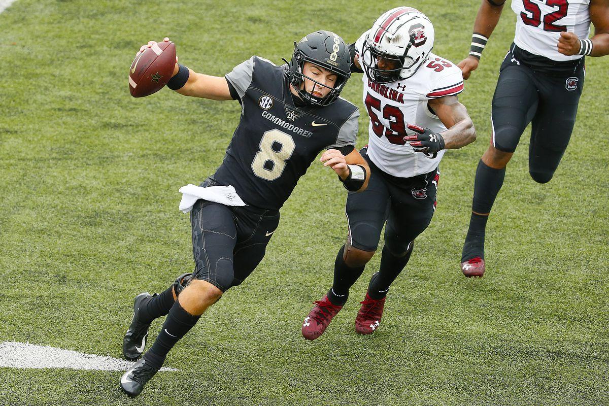 Ernest Jones of the South Carolina Gamecocks rushes Ken Seals of the Vanderbilt Commodores at Vanderbilt Stadium on October 10, 2020 in Nashville, Tennessee.