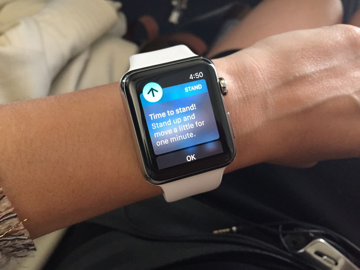 Apple Watch reminded me to move even when it was in airplane mode during a flight.