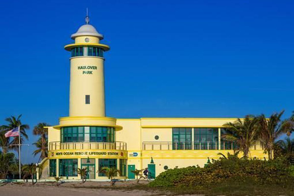 """<span class=""""credit"""">Haulover Beach Life Saving Facility, by R.J. HEISENBOTTLE ARCHITECTS P.A.</span>"""