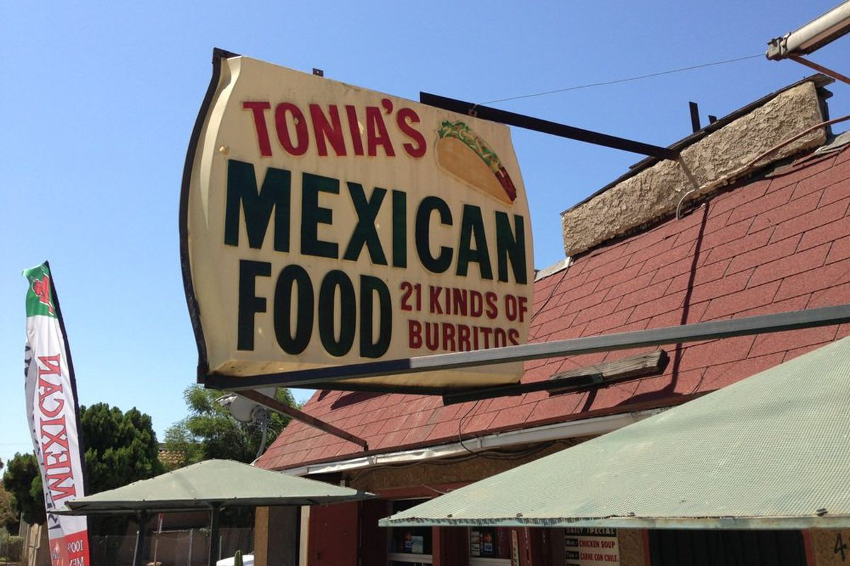 Longtime Pico Rivera Mexican Restaurant Tonia S Is Set To Close Their Walk Up Window For The Last Time This Weekend