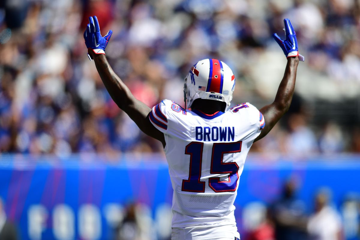 John Brown #15 of the Buffalo Bills celebrates a touchdown during their game against the New York Giants at MetLife Stadium on September 15, 2019 in East Rutherford, New Jersey.