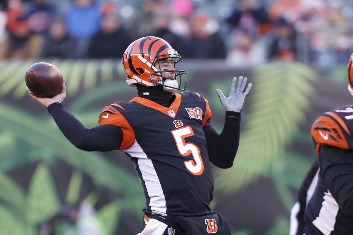 Bengals QB McCarron to become UFA