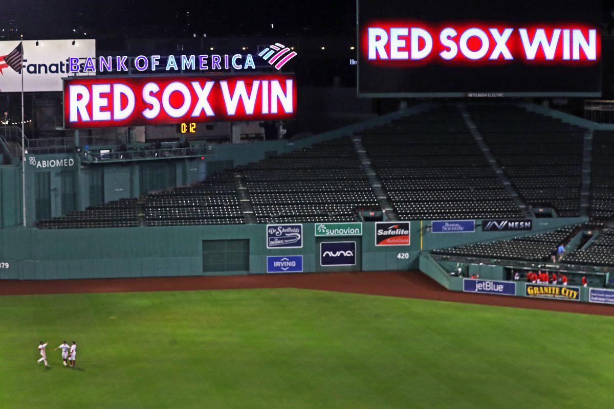 Atlanta Braves Vs Boston Red Sox At Fenway Park