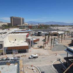 A cluster of stand-alone restaurants, including Wolfgang Puck Bar & Grill, will reside to the right.