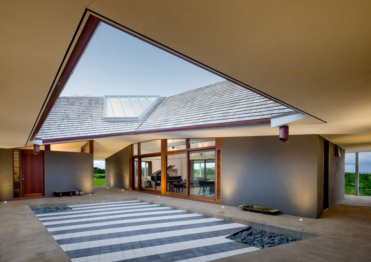 Hawaiian home lives large with massive roof courtyard for Large skylights