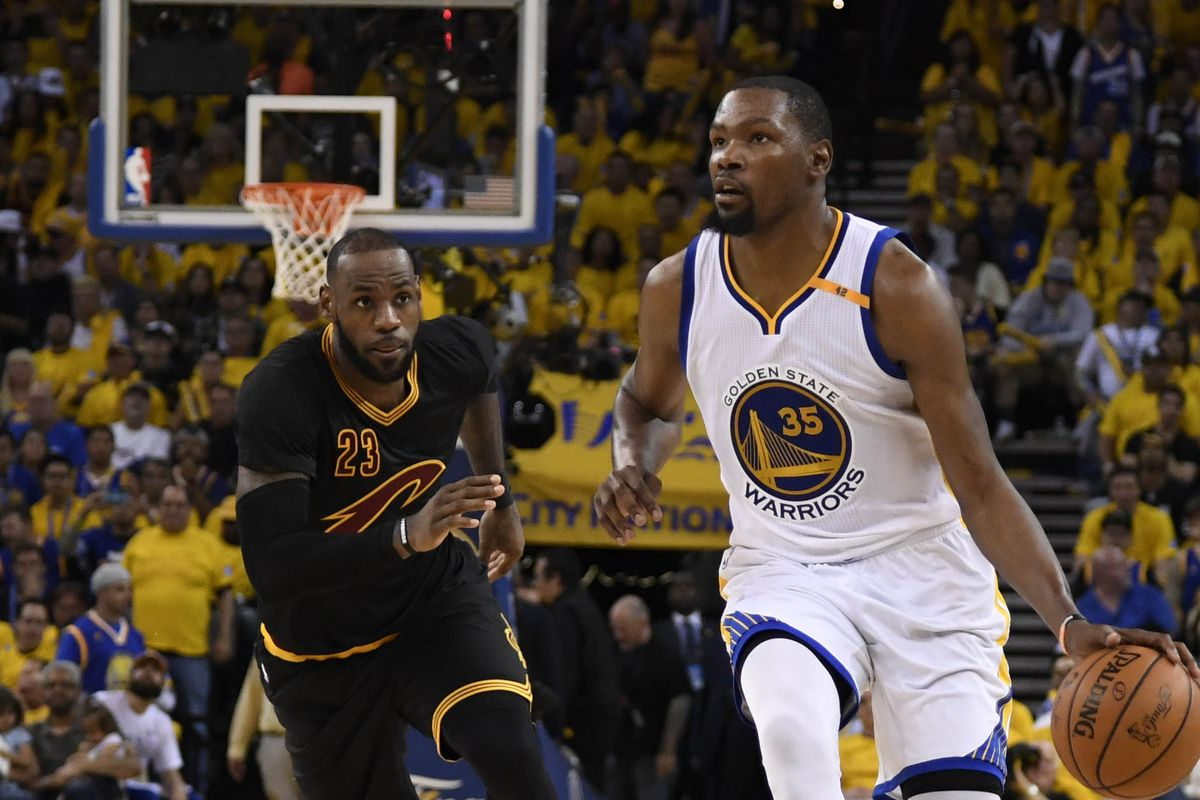 Stephen Curry picks LeBron James' pocket on fast-break attempt