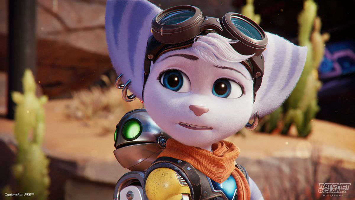 A close-up shot of Rivet (wearing Clank) in Ratchet & Clank: Rift Apart.