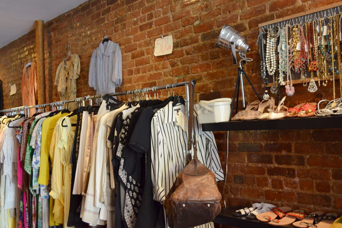 """Inside the store, via <a href=""""http://thebargaindistrict.com/tag/pop-up-store/"""">The Bargain District</a>"""