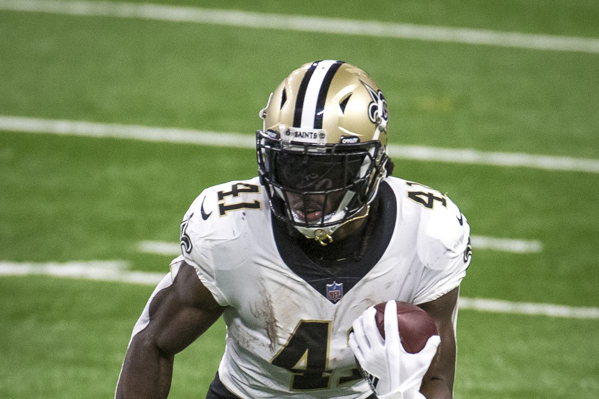 Alvin Kamara of the New Orleans Saints runs the ball during the second quarter against the Detroit Lions at Ford Field on October 4, 2020 in Detroit, Michigan.