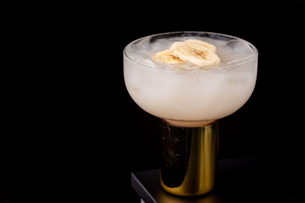 Gold Rush cocktail at Daedo