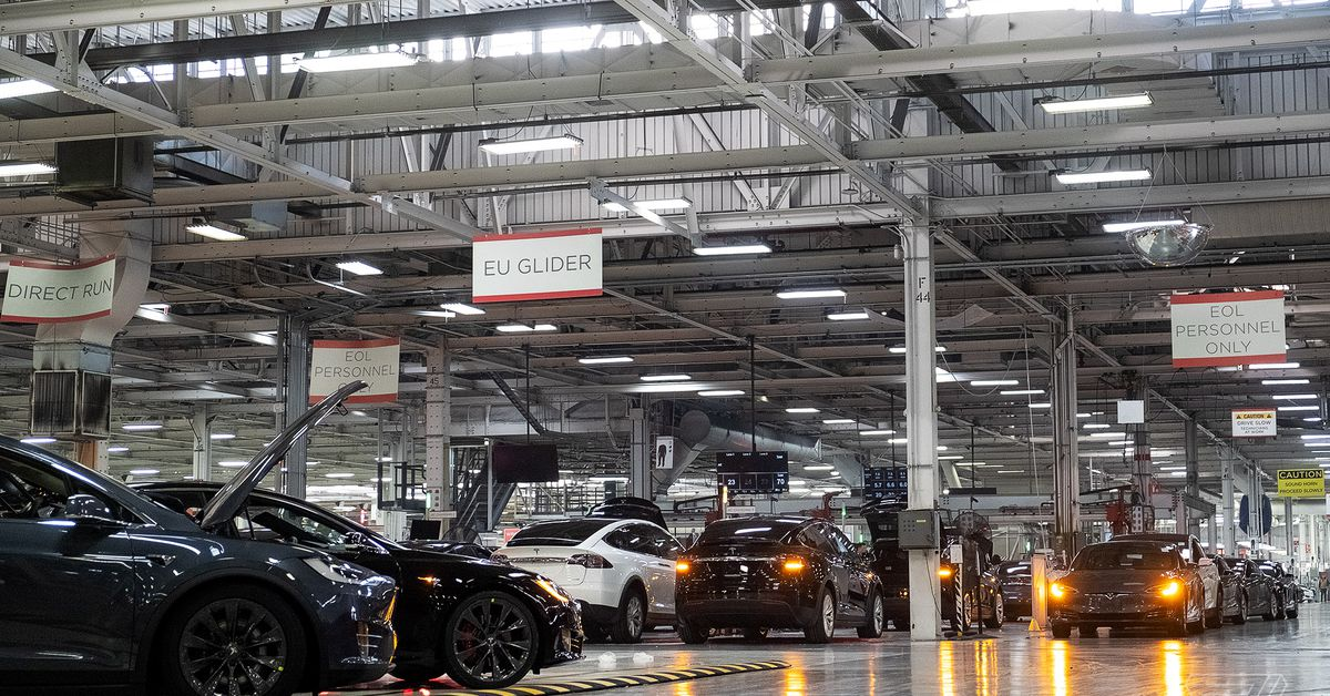 Some Tesla factory employees still had to work after the production shutdown