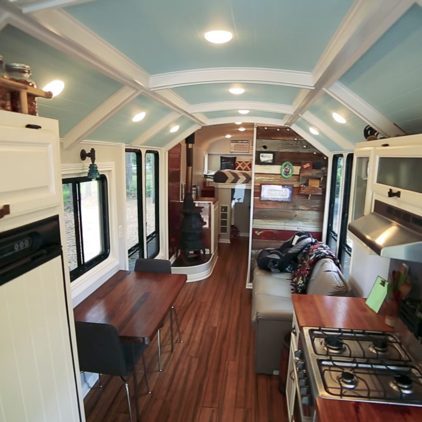 This School Bus Conversion May Be The Most Impressive One Yet Curbed