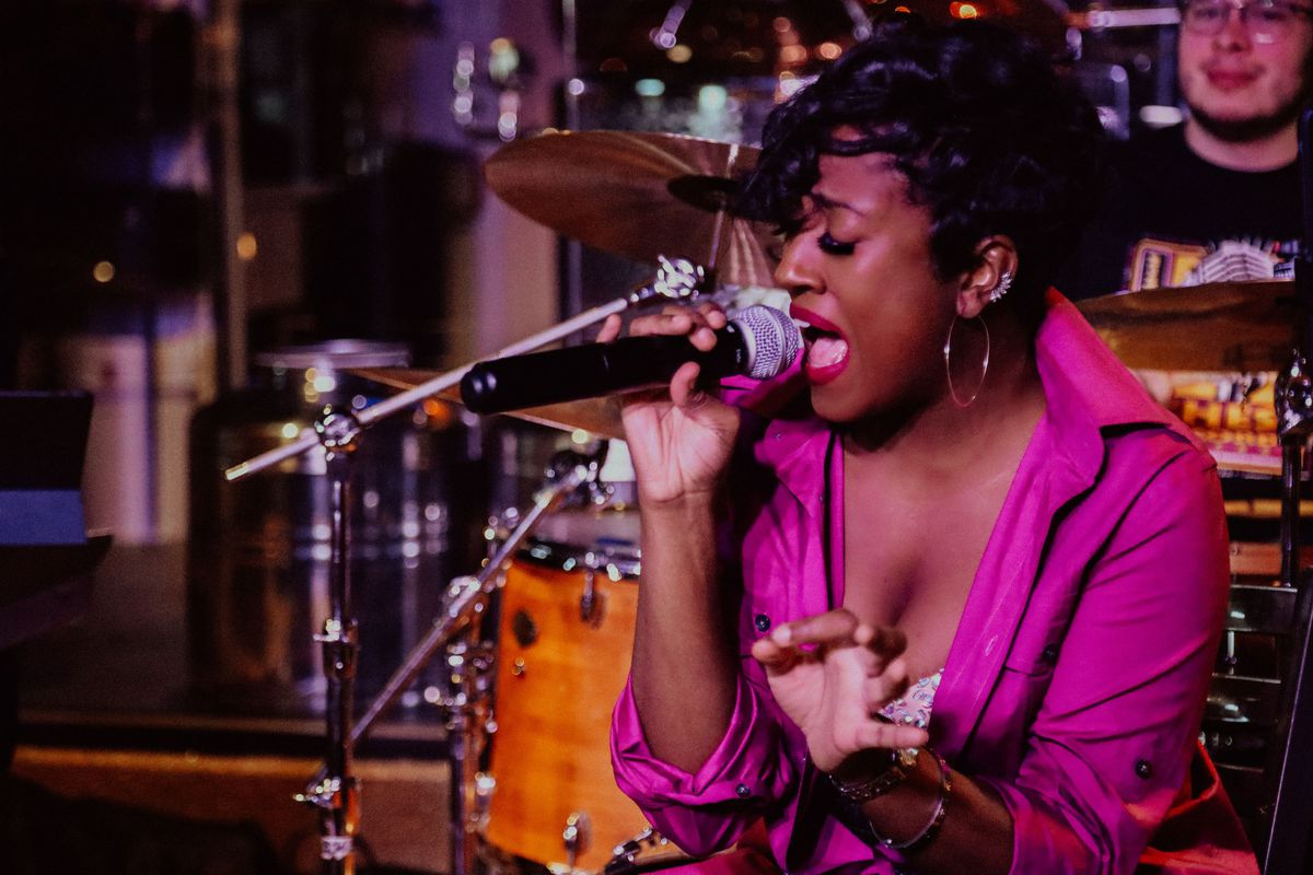 Lauren Dukes, a singer who specializes in blues, soul, jazz and R&B, says she prefers traditional forms of R&B.