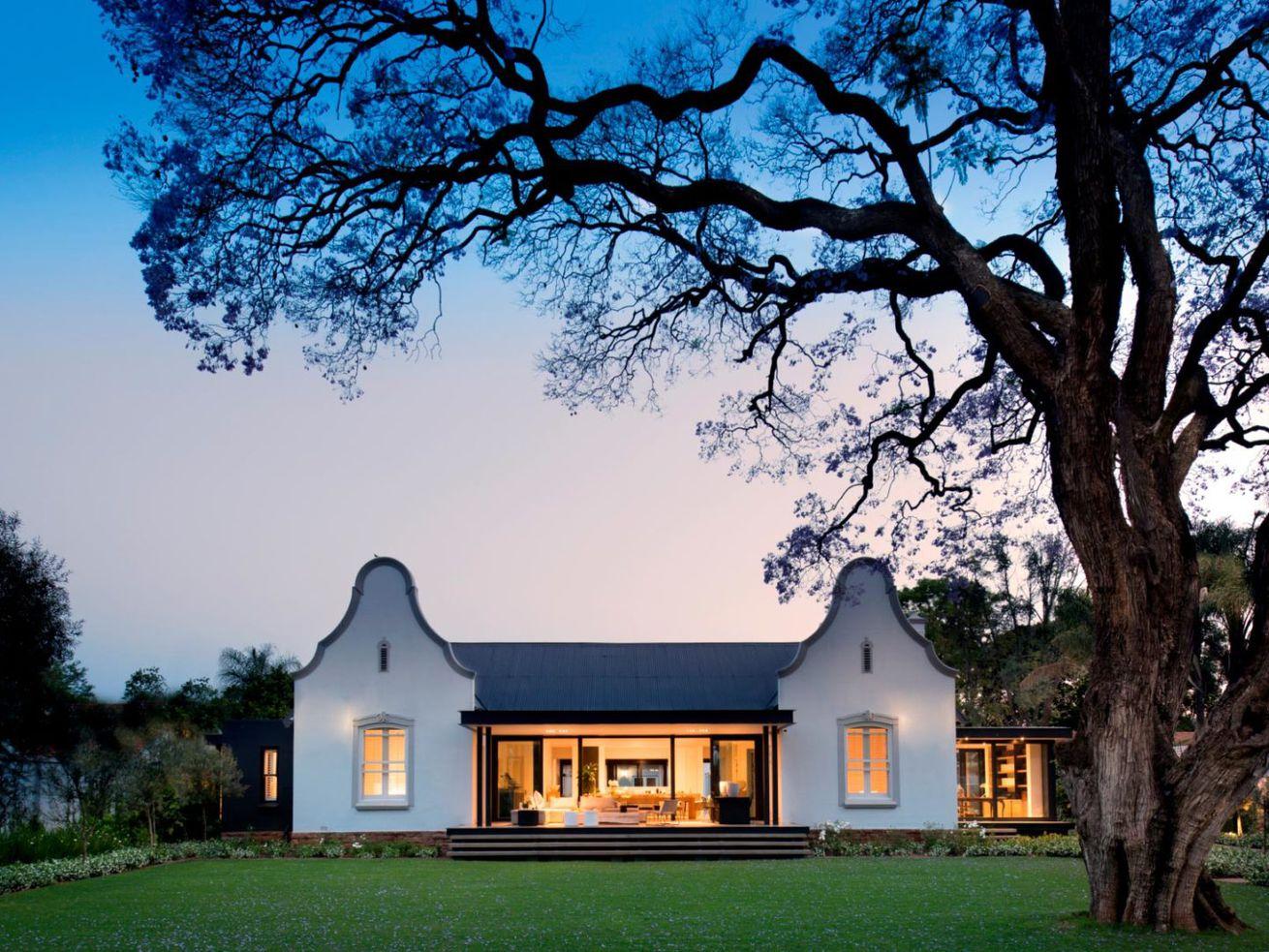 Renovated farmhouse keeps its Cape Dutch style