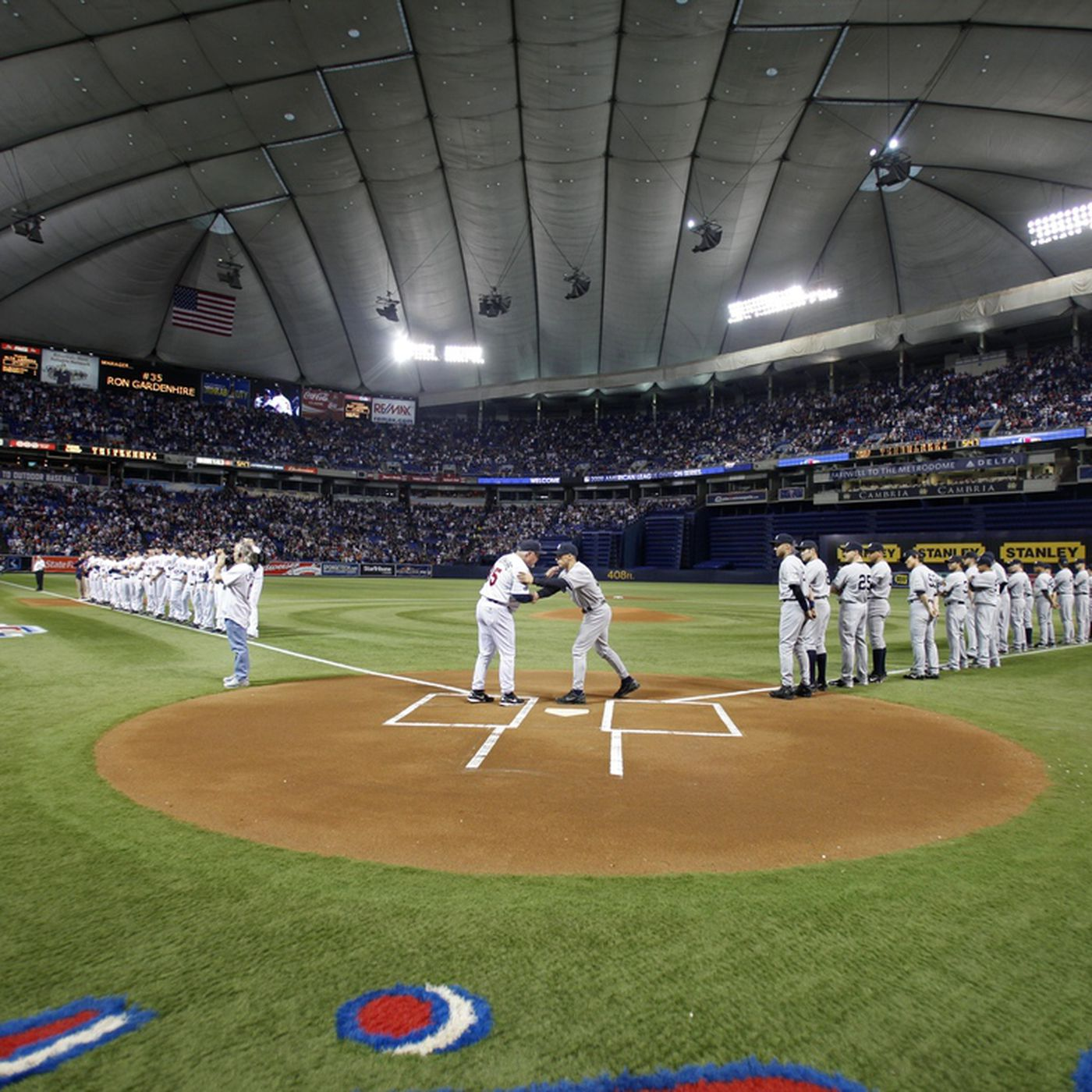 In Metrodome Today Somebody Played Like >> Sympathy For The Metrodome Minor League Ball
