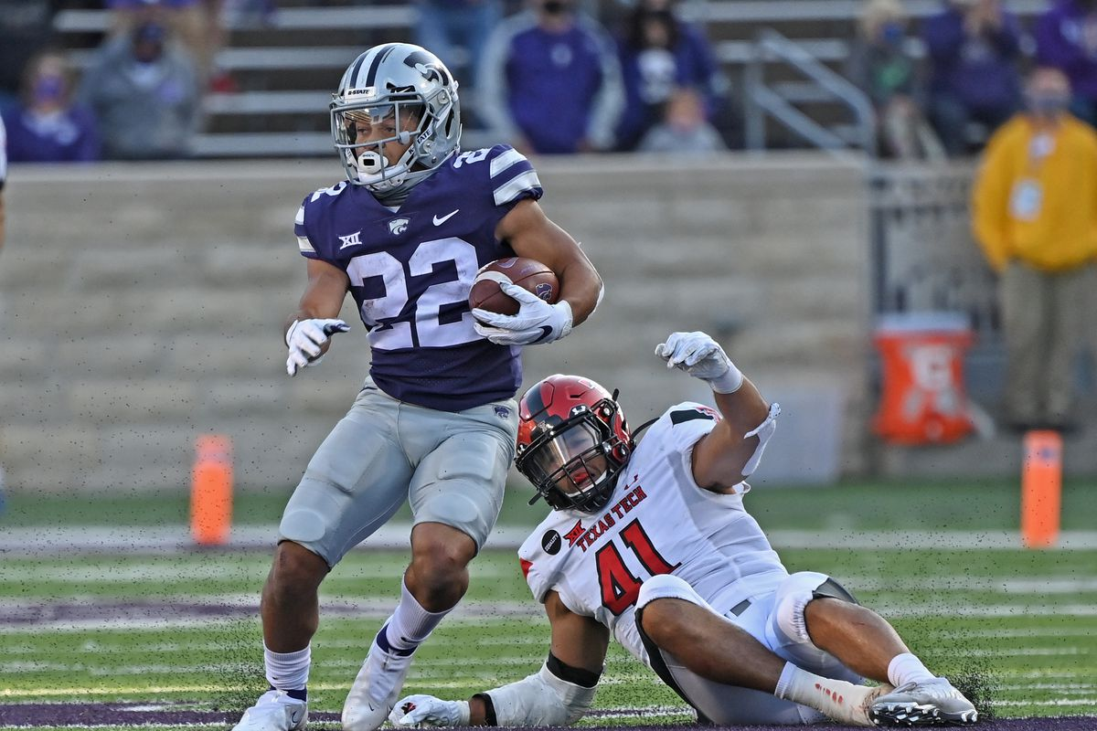 Running back Deuce Vaughn of the Kansas State Wildcats rushes down field, after catching a pass, for a 70 yard touchdown against the Texas Tech Red Raiders during the second half at Bill Snyder Family Football Stadium on September 3, 2020 in Manhattan, Kansas.