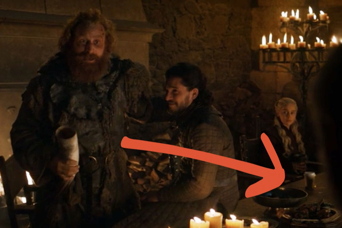 Emilia Clarke Ends Mystery Over Game Of Thrones Coffee Cup