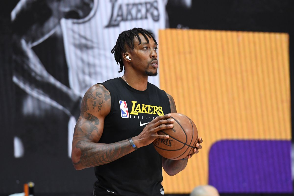 Lakers Lineup Update Dwight Howard Remains In Starting Lineup For Game 1 Of Finals Vs Heat Draftkings Nation