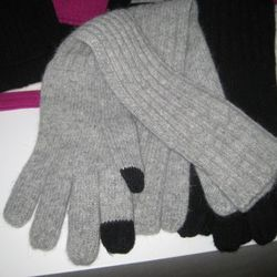 Tech Touch Gloves from Laundry by Shelli Segal