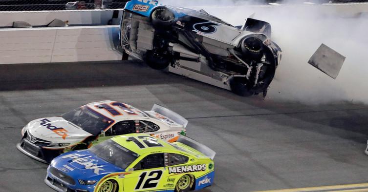 Denny Hamlin wins Daytona 500 for second straight year