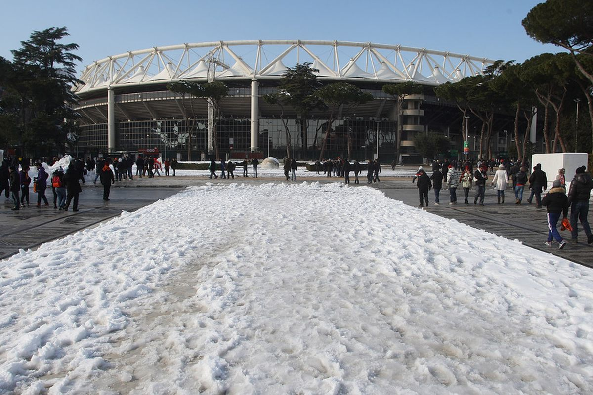 ROME, ITALY - FEBRUARY 05:  A general view of Stadio Olimpico after snow fall before the Serie A match between AS Roma and FC Internazionale Milano at Stadio Olimpico on February 5, 2012 in Rome, Italy.  (Photo by Paolo Bruno/Getty Images)