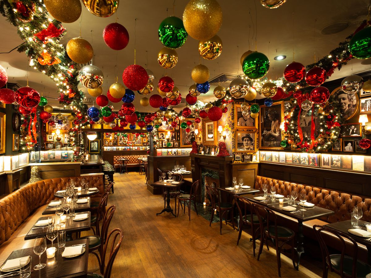 23 NYC Restaurants With Holiday Decorations   Eater NY