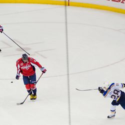 Ovechkin Tries to Block Cole